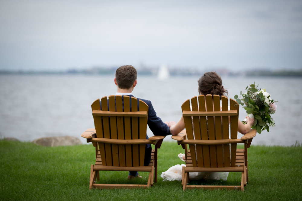 09-bishops-bay-country-club-middleton-wisconsin-lake-mendota-adirondak-chairs-bride-and-groom-portrait-mahonen-photography.jpg