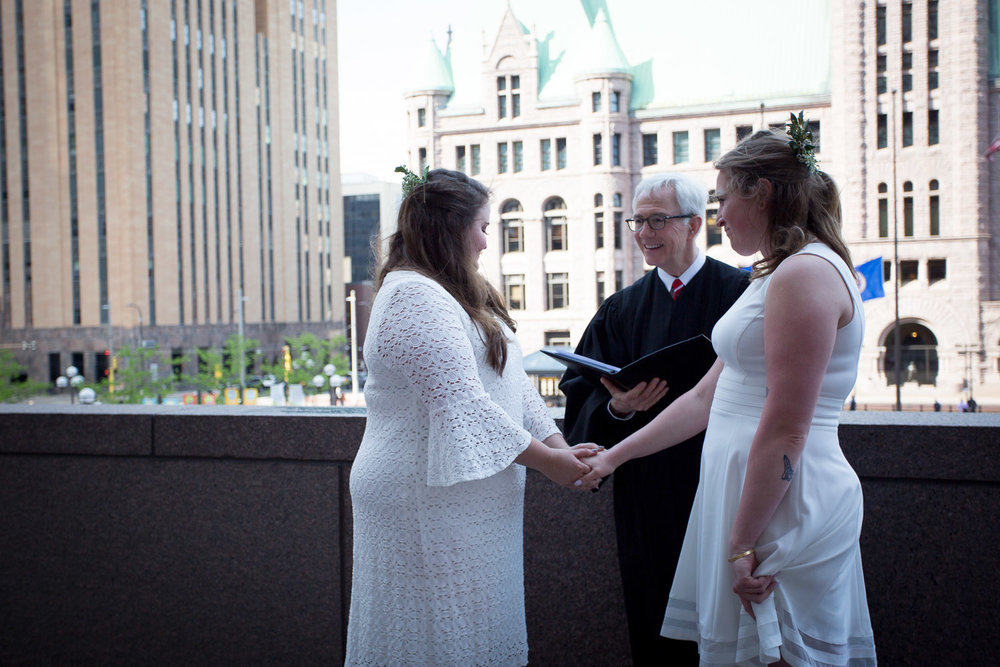 07-hennepin-county-courthouse-same-sex-minneapolis-wedding-photographer-ceremony-mahonen-photography.jpg