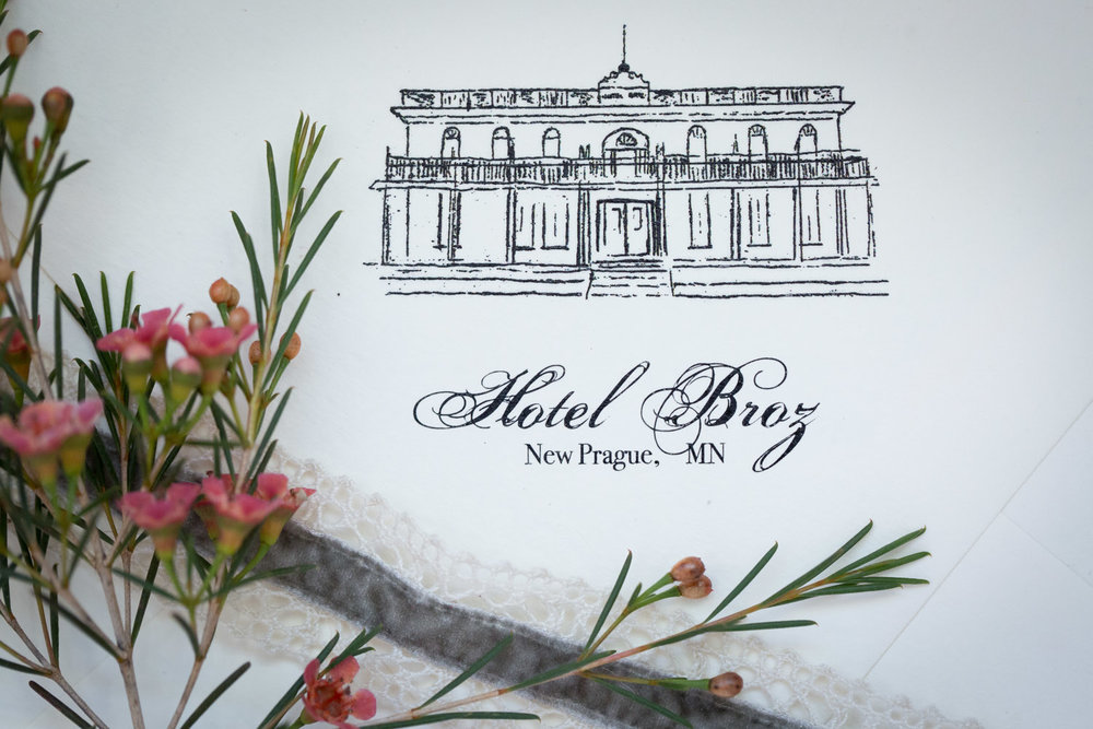 I'm absolutely in LOVE with this line drawing of The Broz by Ivory Isle Designs! What a perfect little detail to tie your invitation suite in with your venue!