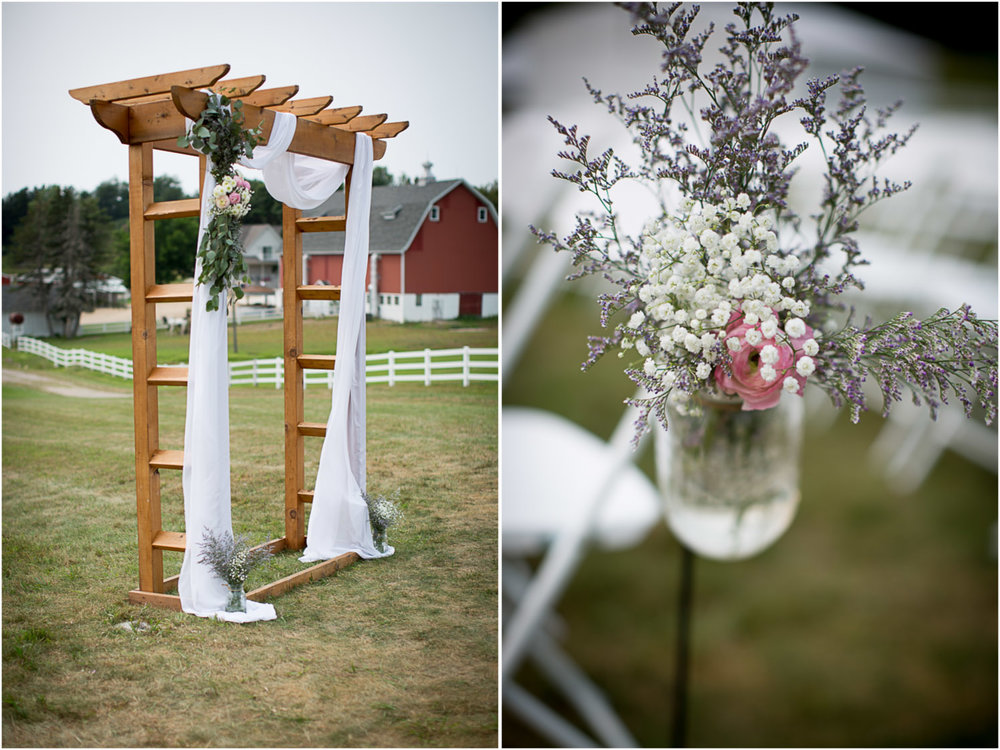 11-dellwood-barn-minnesota-wedding-photographer-farm-ceremony-details-wood-arbor-mason-jar-aisle-decore-babys-breath-flowers-mahonen-photography.jpg