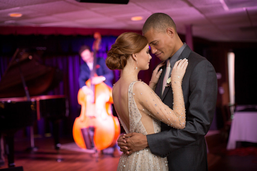 17-crooners-jazz-club-music-wedding-photographer-styled-shoot-bride-groom-first-dance-reception-live-band-mahonen-photography.jpg