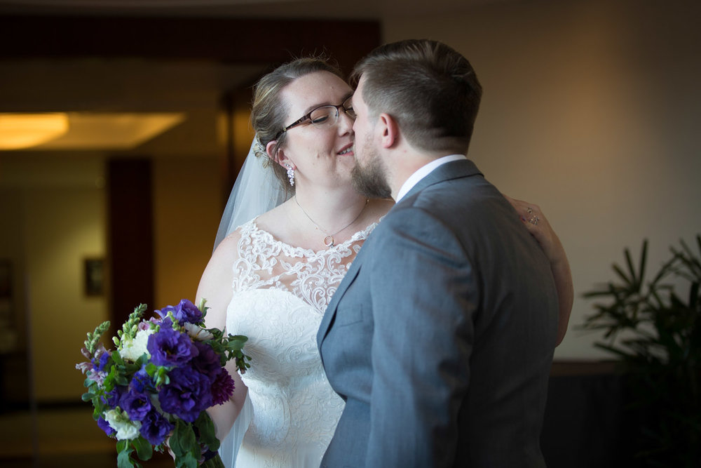 09-university-of-minnesota-campus-club-wedding-photographer-post-ceremony-real-moment-mahonen-photography.jpg