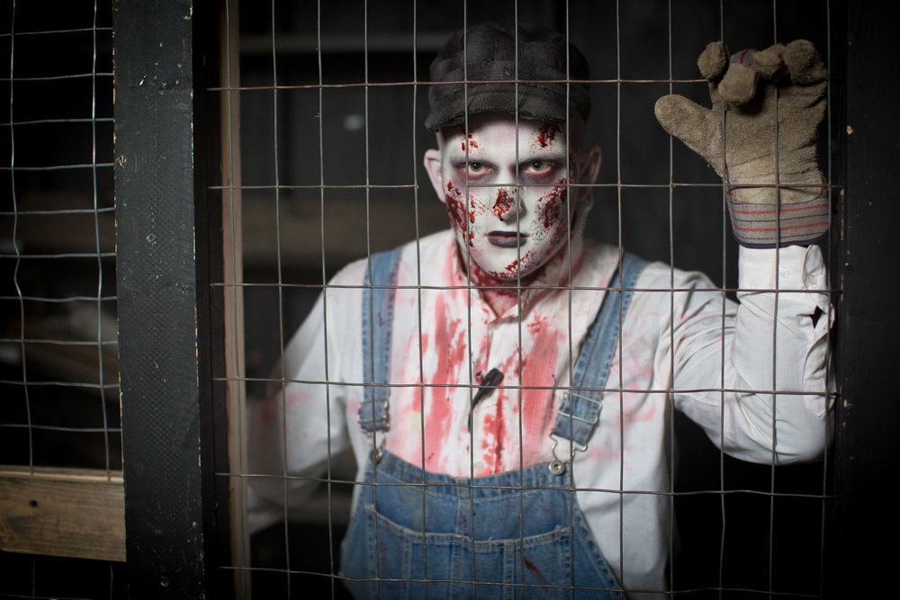 15-ramsey-county-fright-farm-haunted-house-minnesota-halloween-mahonen-photography.jpg