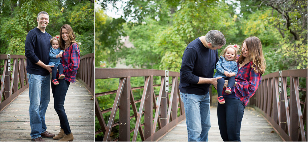 01-maple-grove-arboretum-minnesota-family-photographer-bridge-fall-photo-session-mahonen-photography.jpg