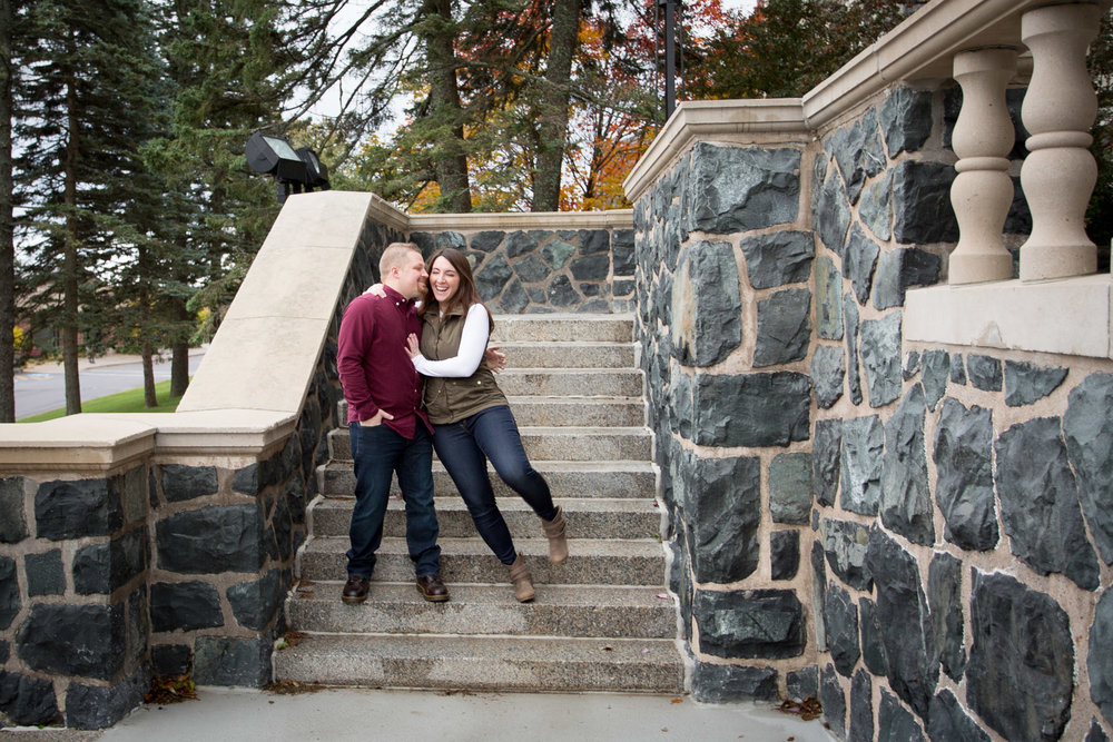 04-st-scholastica-duluth-engagement-photographer-minnesota-fall-photo-session-fun-couple-mahonen-photography.jpg
