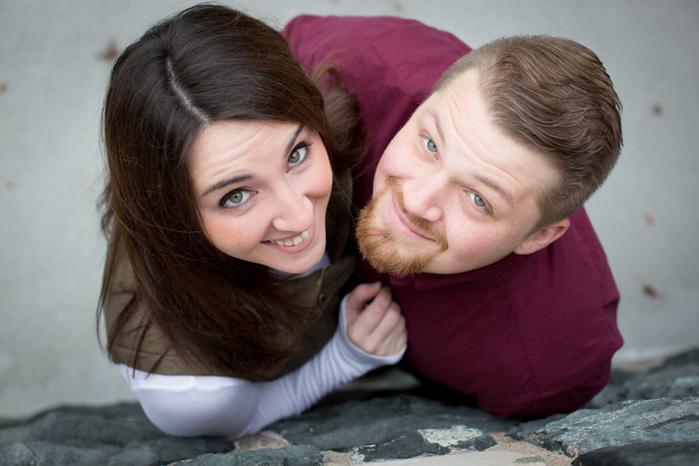 05-st-scholastica-duluth-engagement-photographer-minnesota-fall-photo-session-fun-couple-mahonen-photography.jpg