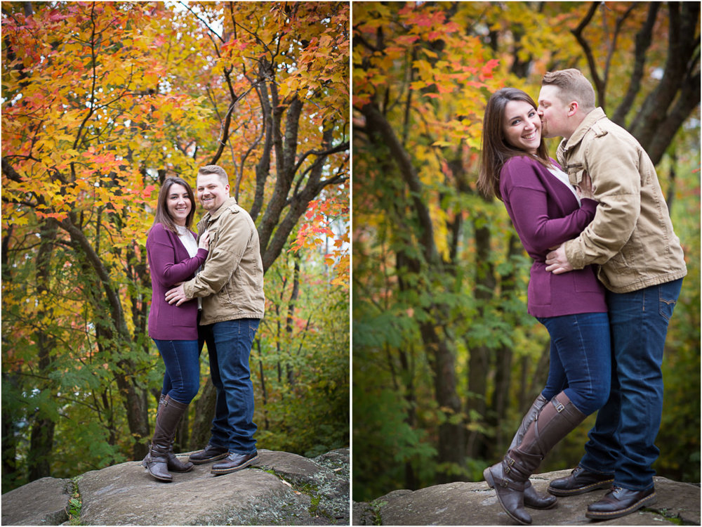 11-duluth-engagement-photographer-enger-park-minnesota-fall-color-photo-session-fun-couple-playful-mahonen-photography.jpg