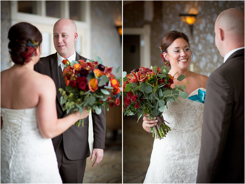 06-the-waterstreet-inn-wedding-bride-groom-first-look-stillwater-mn-wedding-photographer-mahonen-photography.jpg