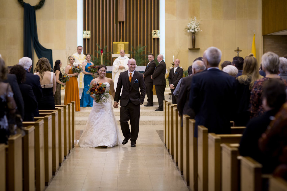 19-mn-catholic-wedding-ceremony-newly-weds-husband-and-wife-photographer-mahonen-photography.jpg