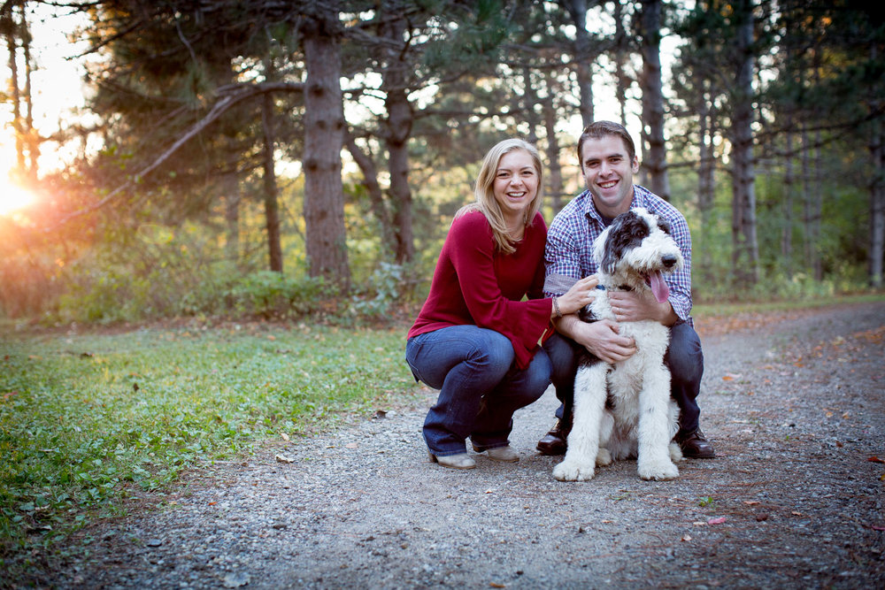 05-mn-family-photographer-extended-fam-photo-session-fur-baby-doggy-golden-hour-mahonen-photography.jpg