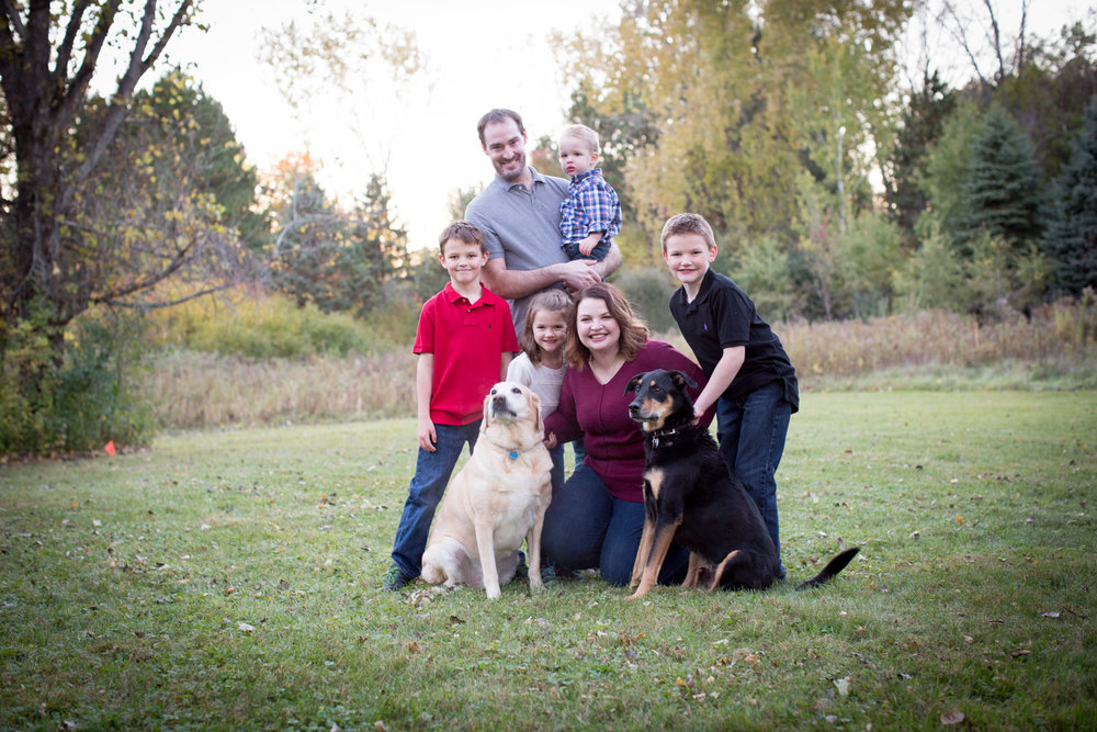 07-mn-family-photographer-extended-fam-photo-session-golden-hour-mahonen-photography.jpg