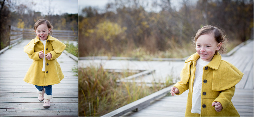 05-wildlife-rehabilitation-center-of-minnesota-family-photographer-fall-photos-little-girl-yellow-coat-mahonen-photography.jpg