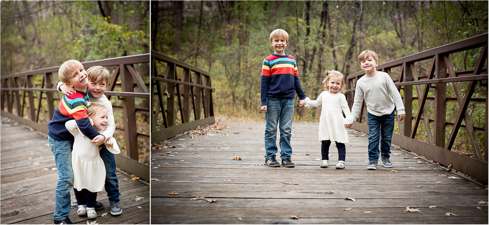 03-moir-park-minnesota-family-photographer-siblings-group-hug-fall-mn-mahonen-photography.jpg