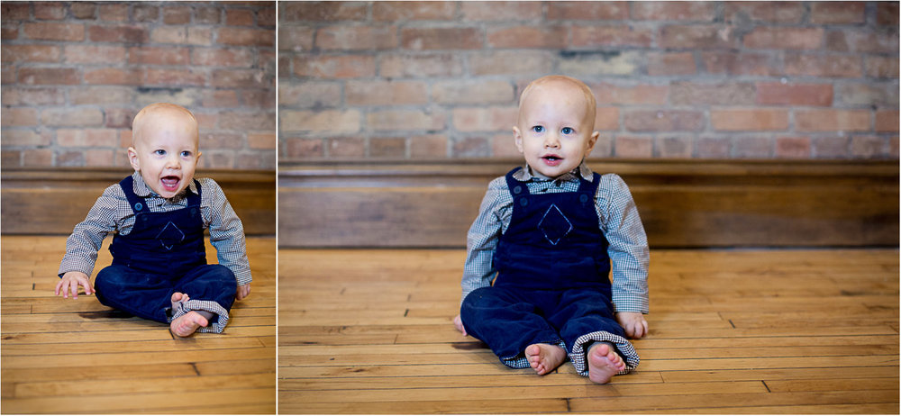 01-baby-boy-christmas-photos-minnesota-studio-family-photographer-navy-blue-overalls-mahonen-photography.jpg