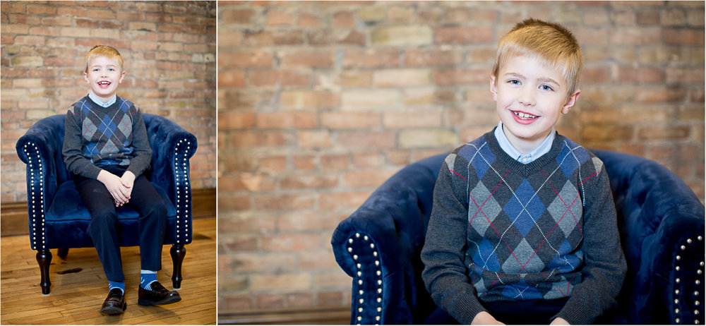 04-christmas-photos-minnesota-studio-family-photographer-gray-blue-argyle-sweater-mahonen-photography.jpg