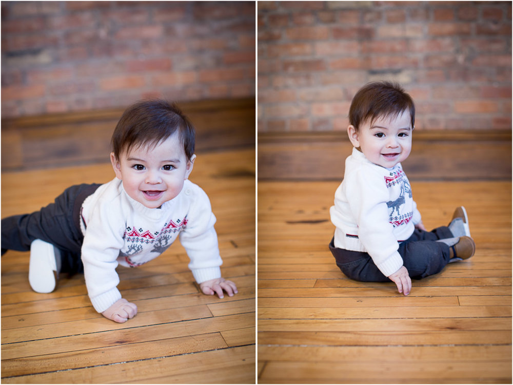 02-mn-studio-family-photgrapher-brick-wall-6-month-old-boy-portrait-mahonen-photography.jpg