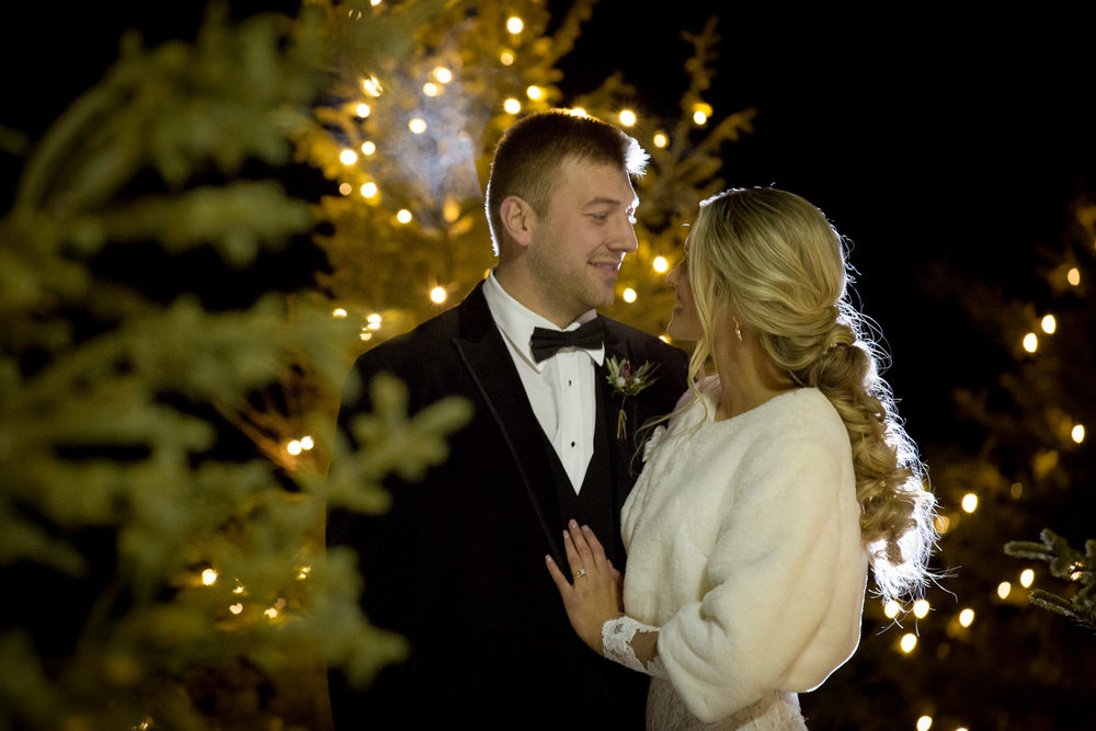 16-seven-vineyard-winery-dellwood-minnesota-winter-wedding-fin-bride-groom-portraits-outdoor-winter-night-photography-trees-christmas-twinkle-lights-mahonen-photography.jpg