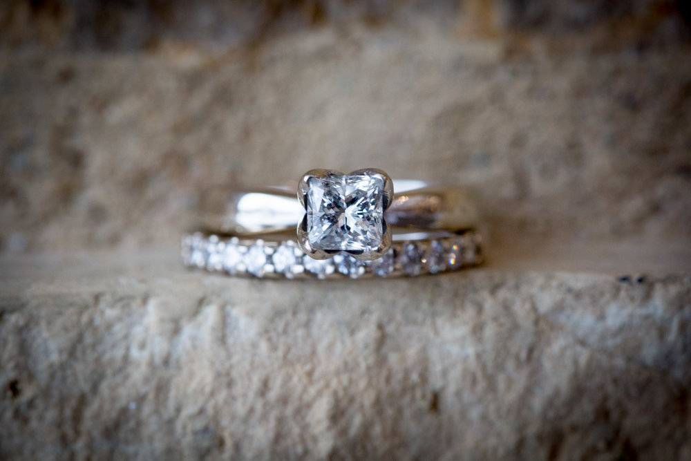 05-eagan-community-center-weddings-minnesota-winter-wedding-details-ring-macro-square-diamond-limestone-white-gold-mahonen-photography.jpg