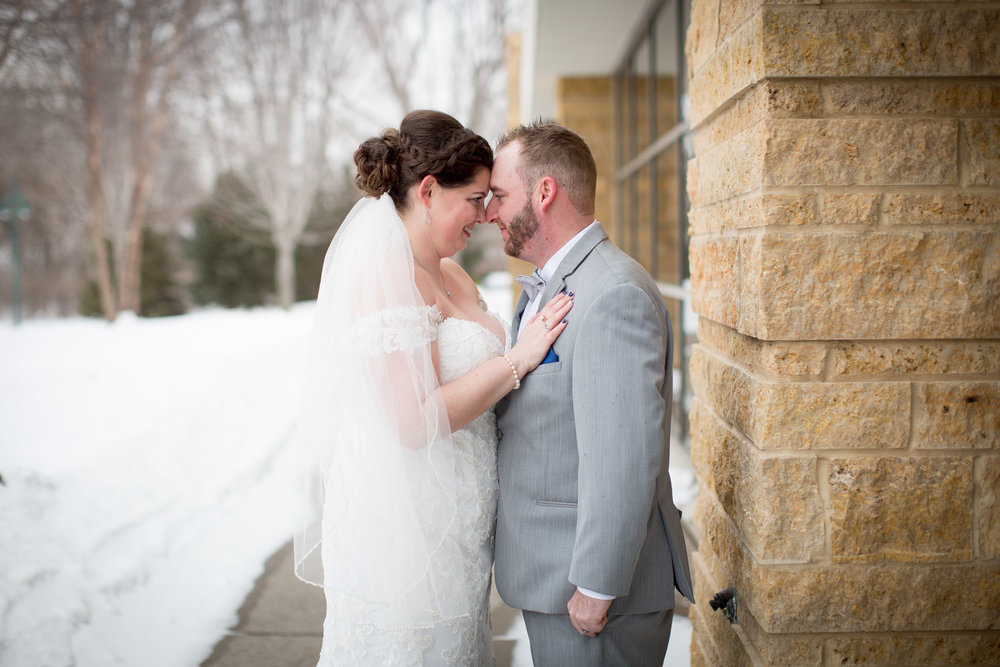 10-eagan-community-center-weddings-minnesota-winter-wedding-bride-groom-portraits-mahonen-photography.jpg