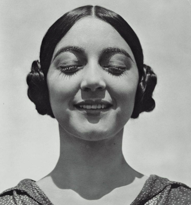 Rose Roland de Covarrubias by Edward Weston ©Center for Creative Photography