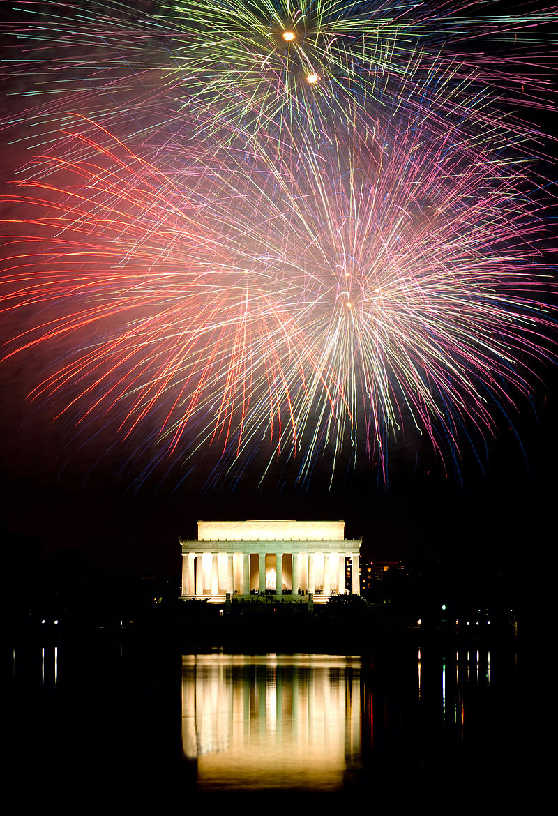 Fireworks over the Lincoln Memorial on Independence Day, 2008