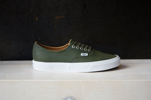 9735bfbcc3b Premium Leather Decon — The General by Vans