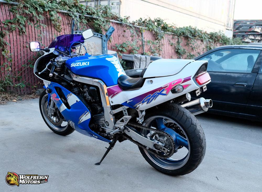 1993SuzukiGSXR750W-4.jpg
