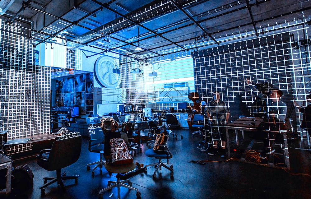 projectors-1000-2018-03.jpg