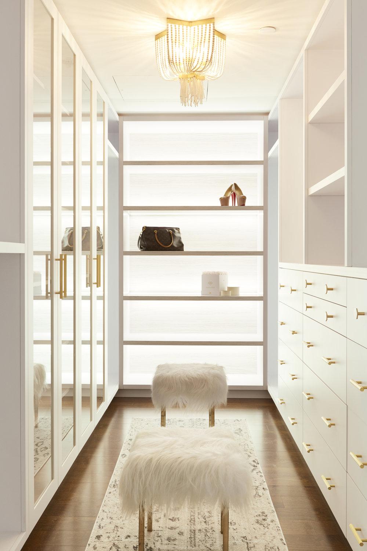 SPI-Aura-Closet-R1.jpg