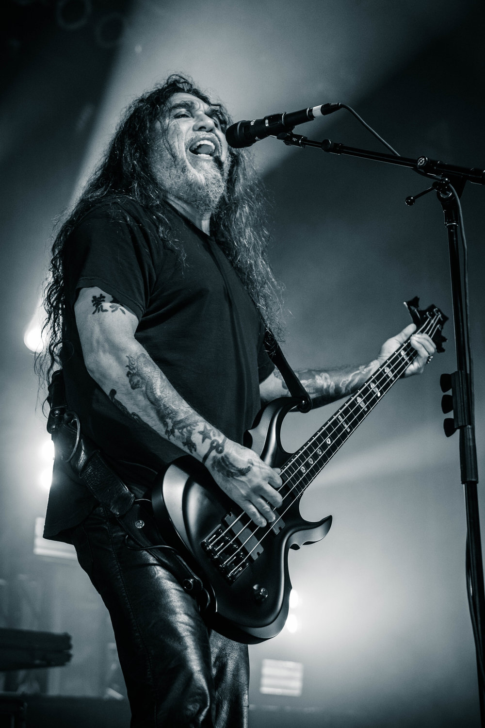 Slayer-Repentless-World-Tour-2016-Tom-Araya.jpg