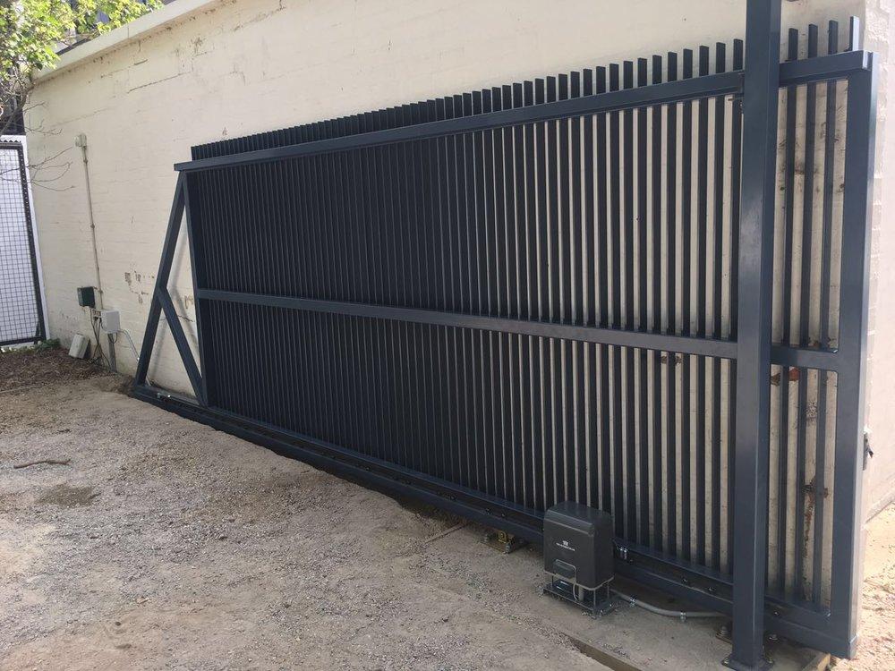 Steel Blade Cantilever Gate 2.jpg