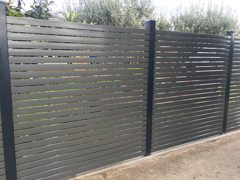 Horizontal Slat Fences 2.jpg