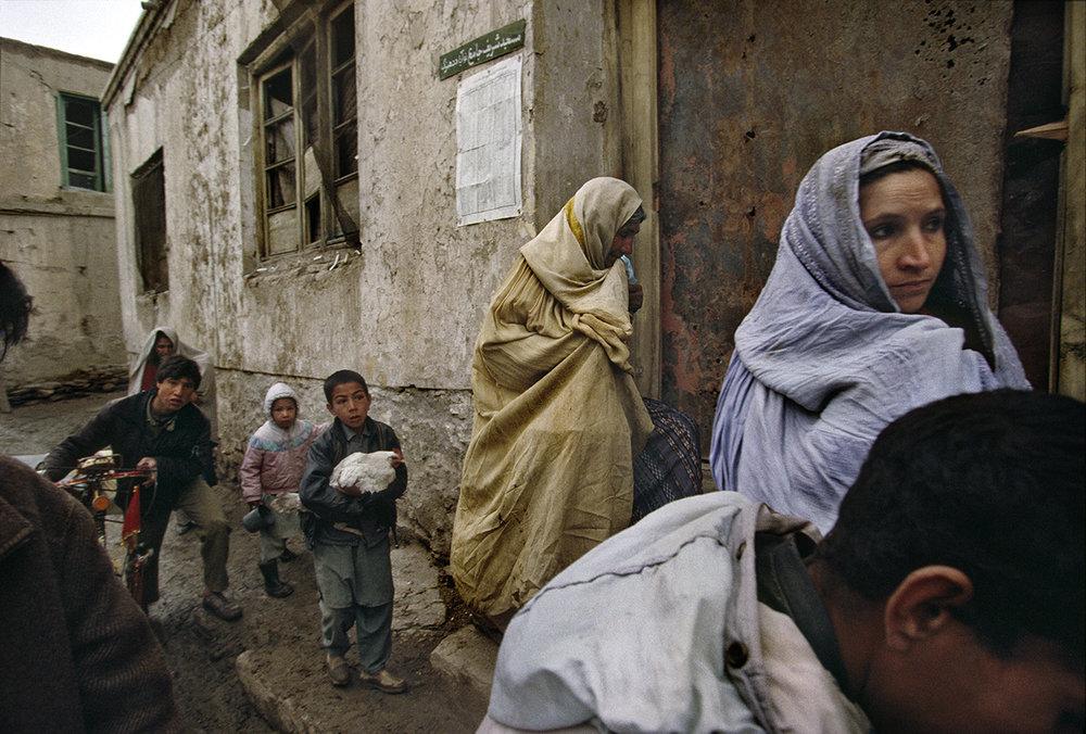 A Kabul family flees their home, 2010