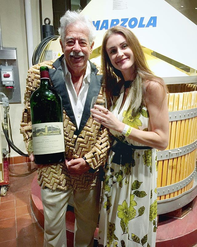 The infamous cork jacket 🧥 with #lipmanop Kata Rhe and @robertmondavi #winewednesday #wineestate