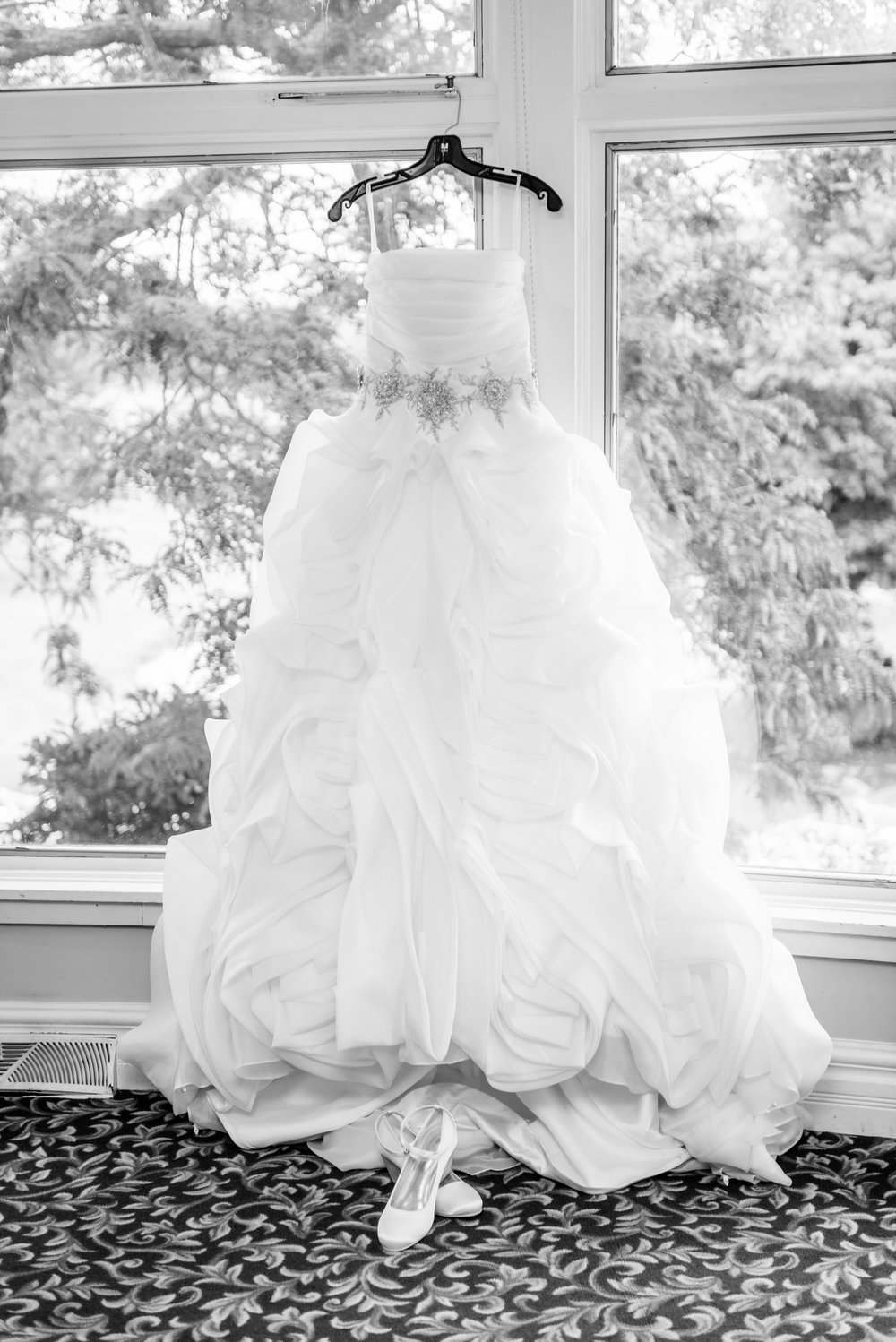 E&B Wedding Day-32 B&W.jpg