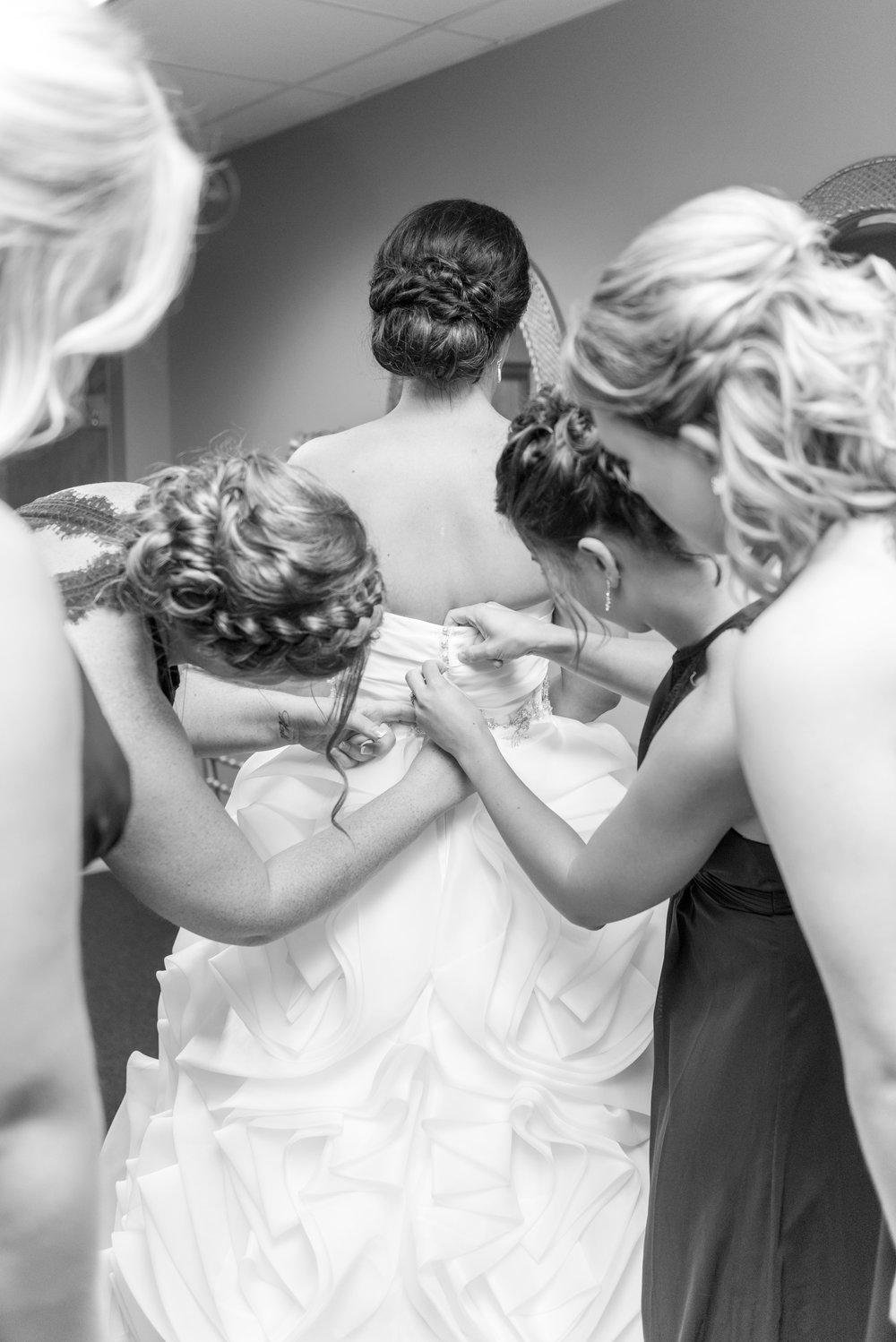 E&B Wedding Day-42 B&W.jpg