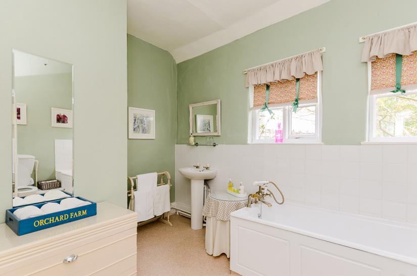 Hotel-Uppingham-Bathroom-Suite.jpg