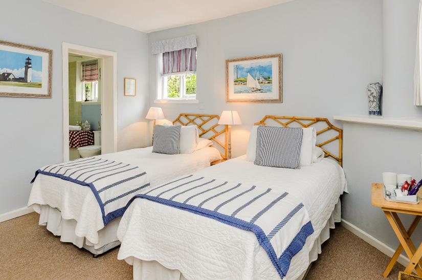 Uppingham-Hotel-Twin-Room.jpg