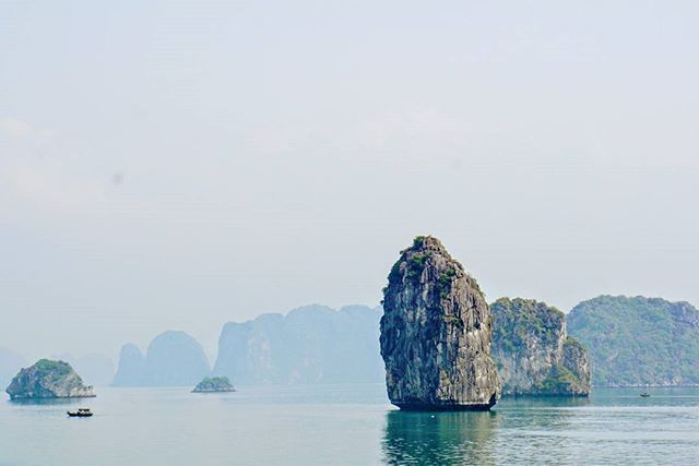 One more from the beautiful Halong Bay . . . #overthemaptravel #travel #travelblogging #travelgram #travellife #traveltheworld #globetrotter #wanderlust #explore #adventure #instagood #igers #sonyalpha #sonyimages #vietnam #halongbay #water #sky