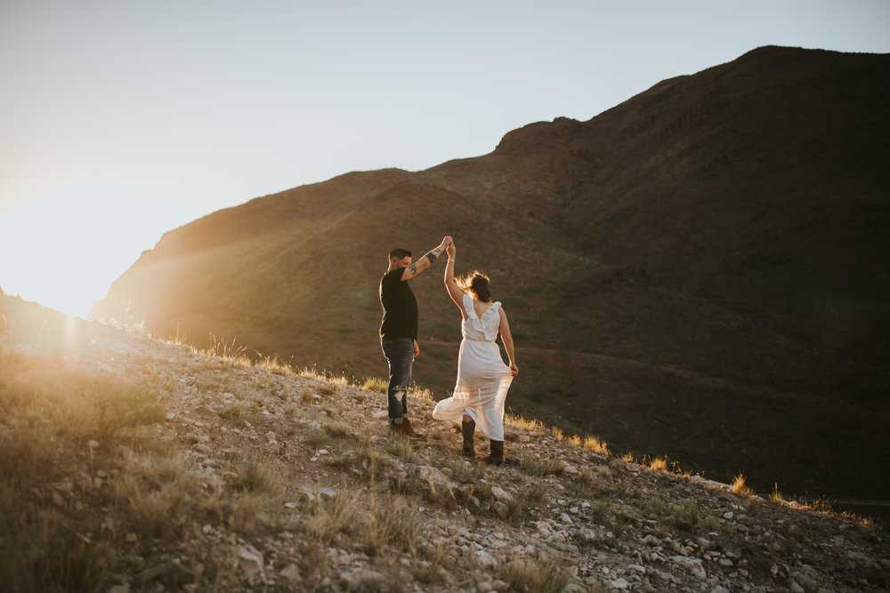 el-paso-franklin-mountains-engagement-photographer-9