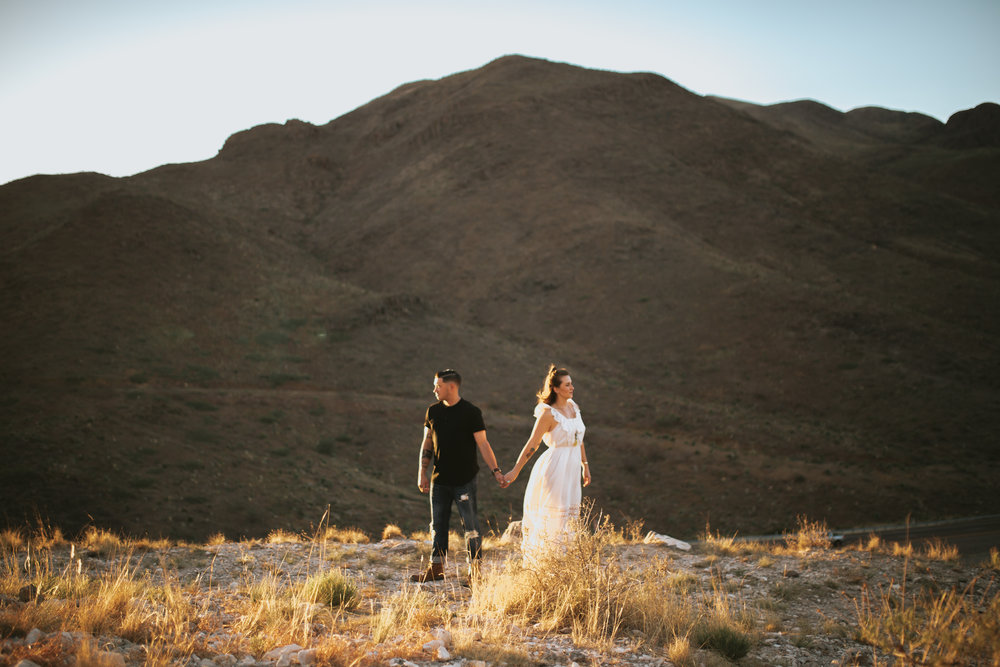 el-paso-franklin-mountains-engagement-photographer-12