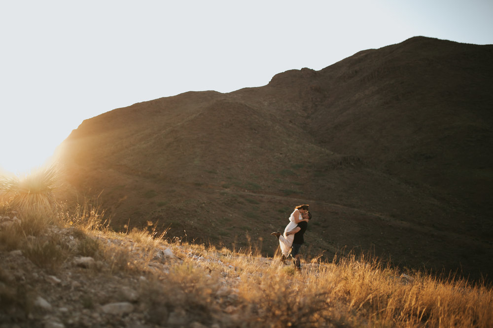 el-paso-franklin-mountains-engagement-photographer-13