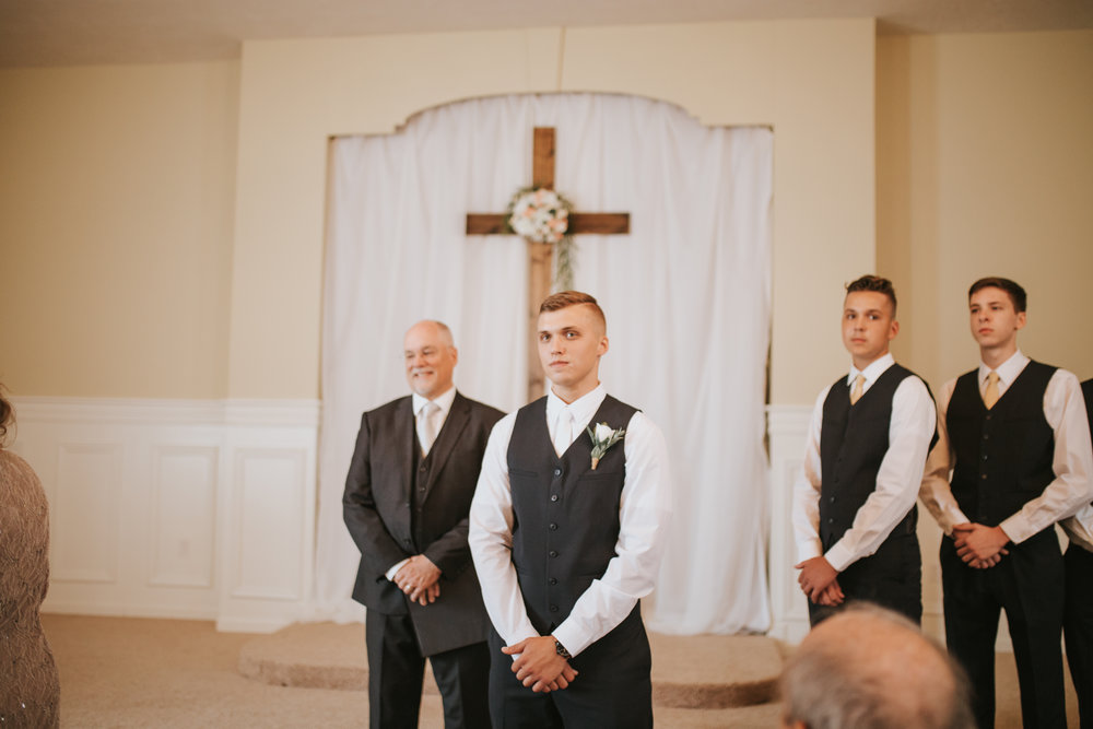 heritage-chapel-st-louis-wedding-photographer-30
