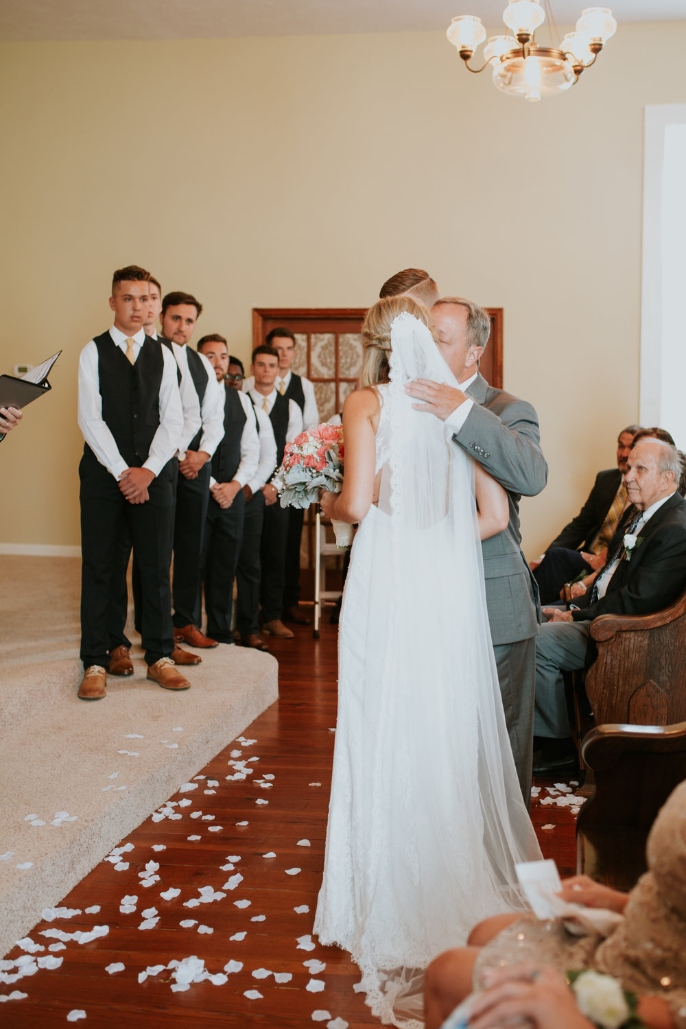 heritage-chapel-st-louis-wedding-photographer-34