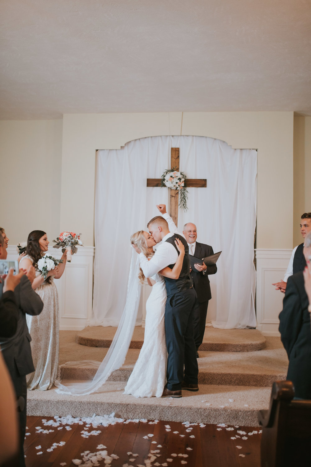 heritage-chapel-st-louis-wedding-photographer-44