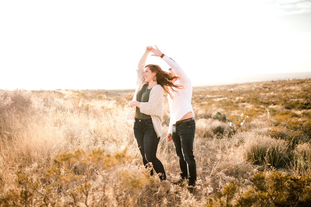 franklin-mountain-el-paso-engagement-sparrow-and-gold-photography-10