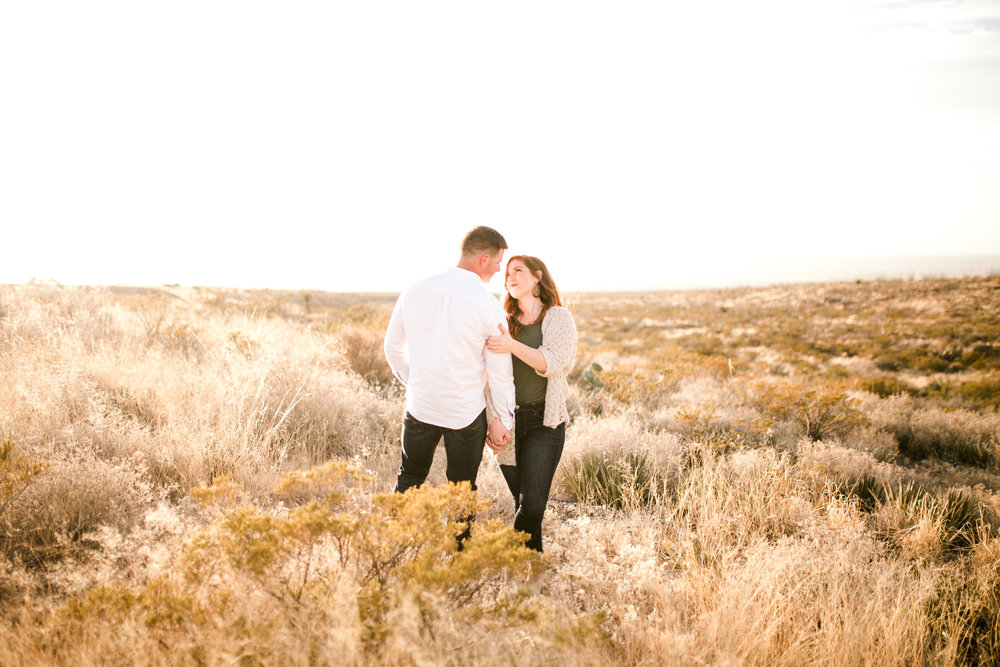 franklin-mountain-el-paso-engagement-sparrow-and-gold-photography-15