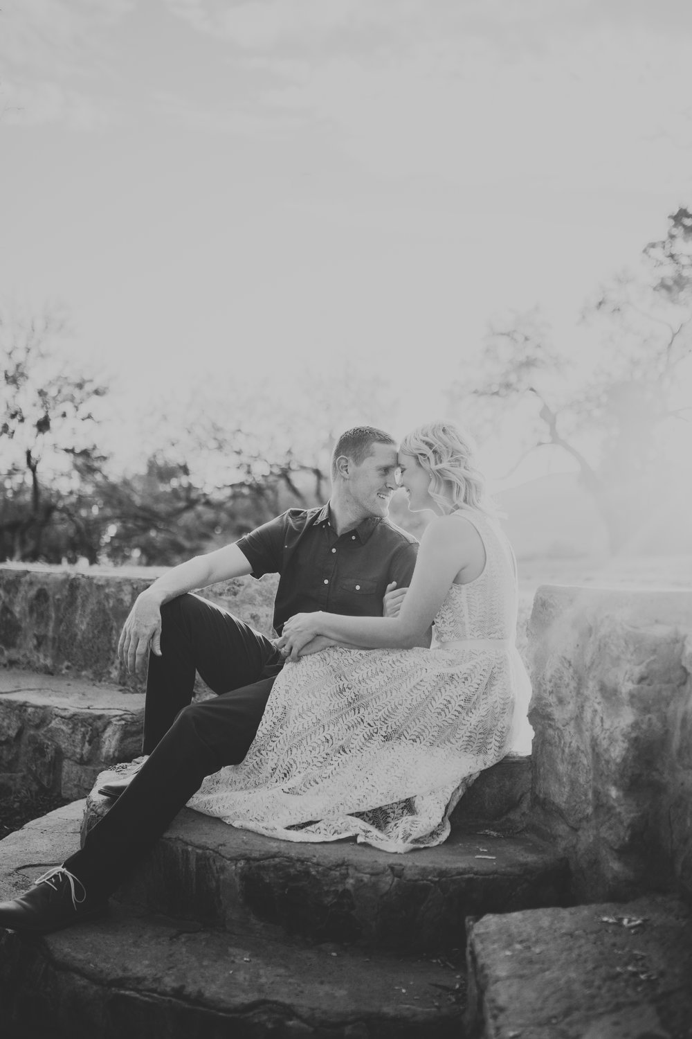 el-paso-memorial-park-engagement-sparrow-and-gold-photography-25