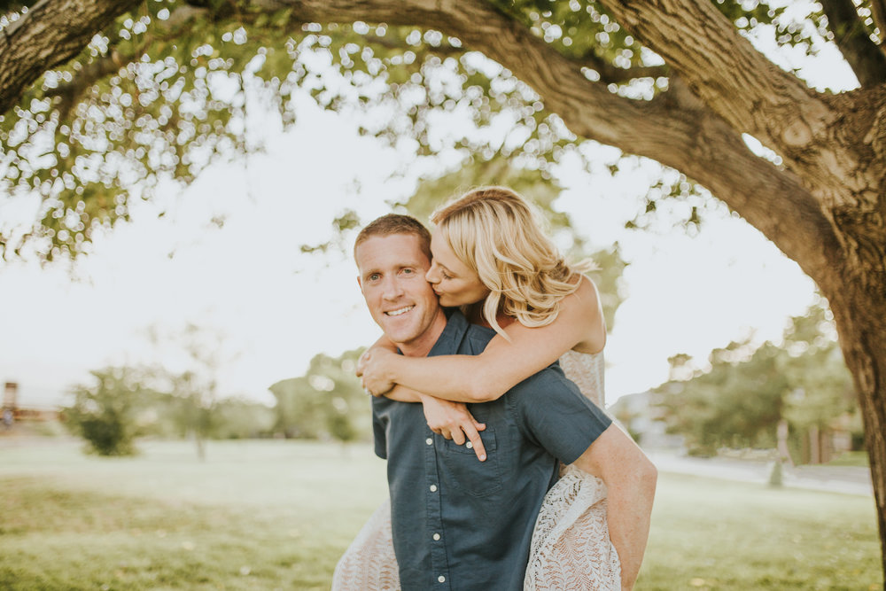 el-paso-memorial-park-engagement-sparrow-and-gold-photography-27