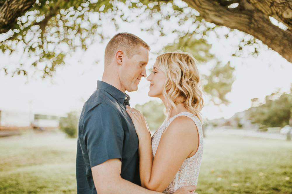 el-paso-memorial-park-engagement-sparrow-and-gold-photography-28